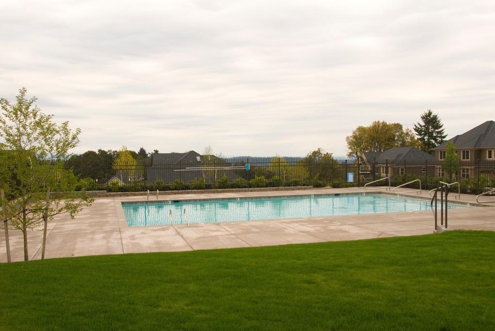 Rosemont Pointe pool